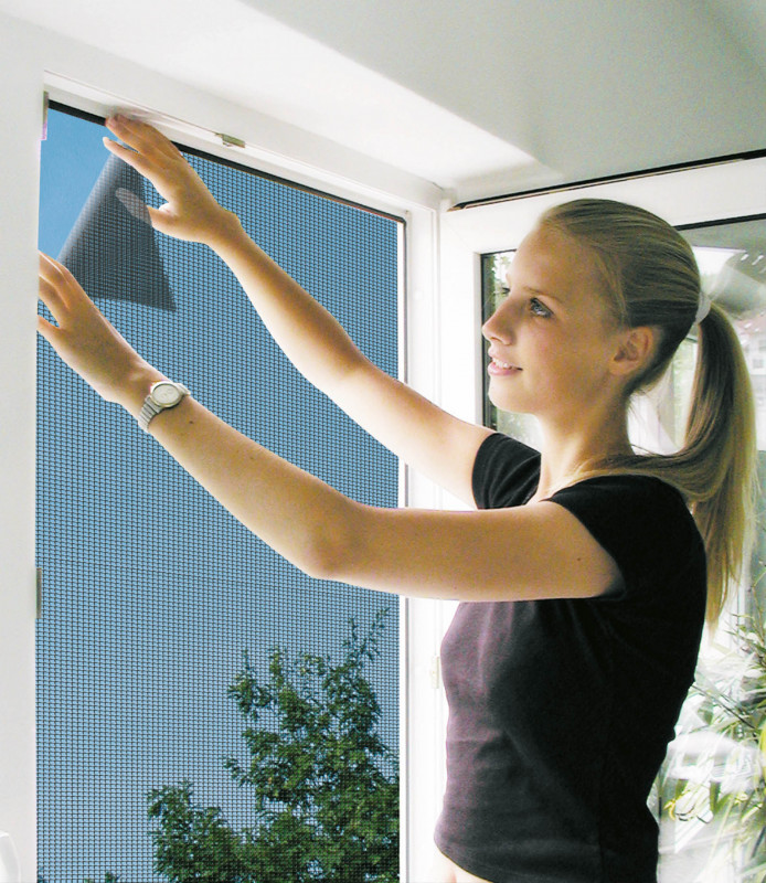 Síť do okna proti hmyzu na suchý zip